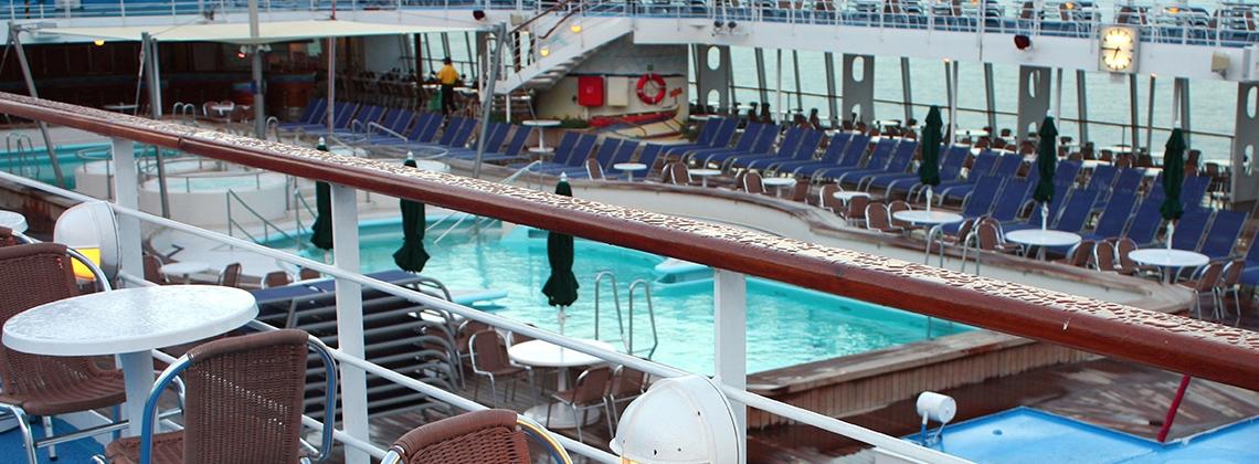 cruise içerisinde havuz