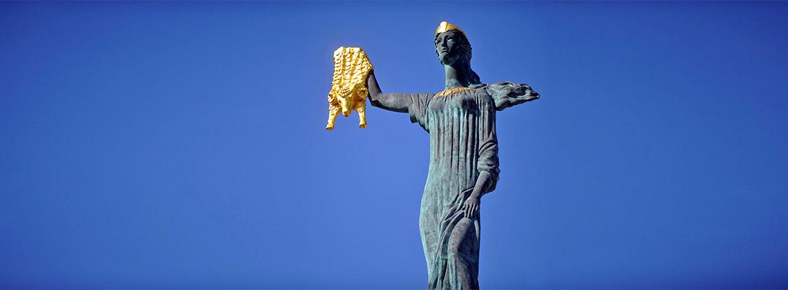 ali ve nino heykeli