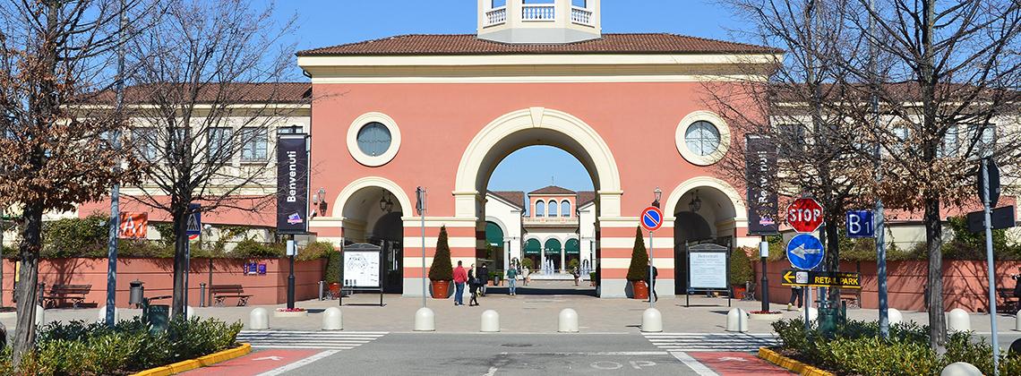 Serravalle Designer Outlet Milano - İtalya