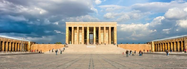 Dünyanın Dört Bir Yanında Atatürk'ten İzler Bulacağınız Yerler.