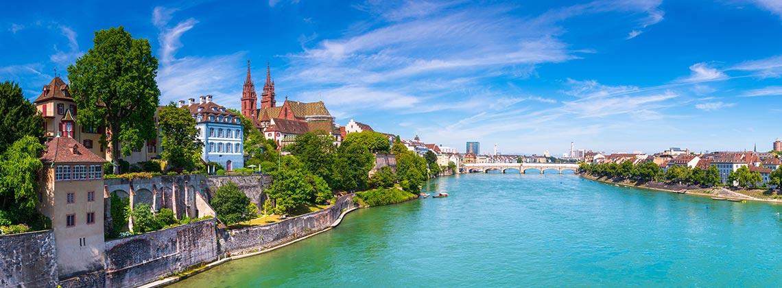 Eşsiz Şehir Hayatının ve İsviçre Mutfağı'nın Tadını Çıkarın!