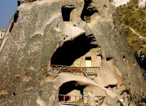 mağara oteller